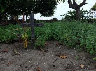 Dort ist auch der Friedhof