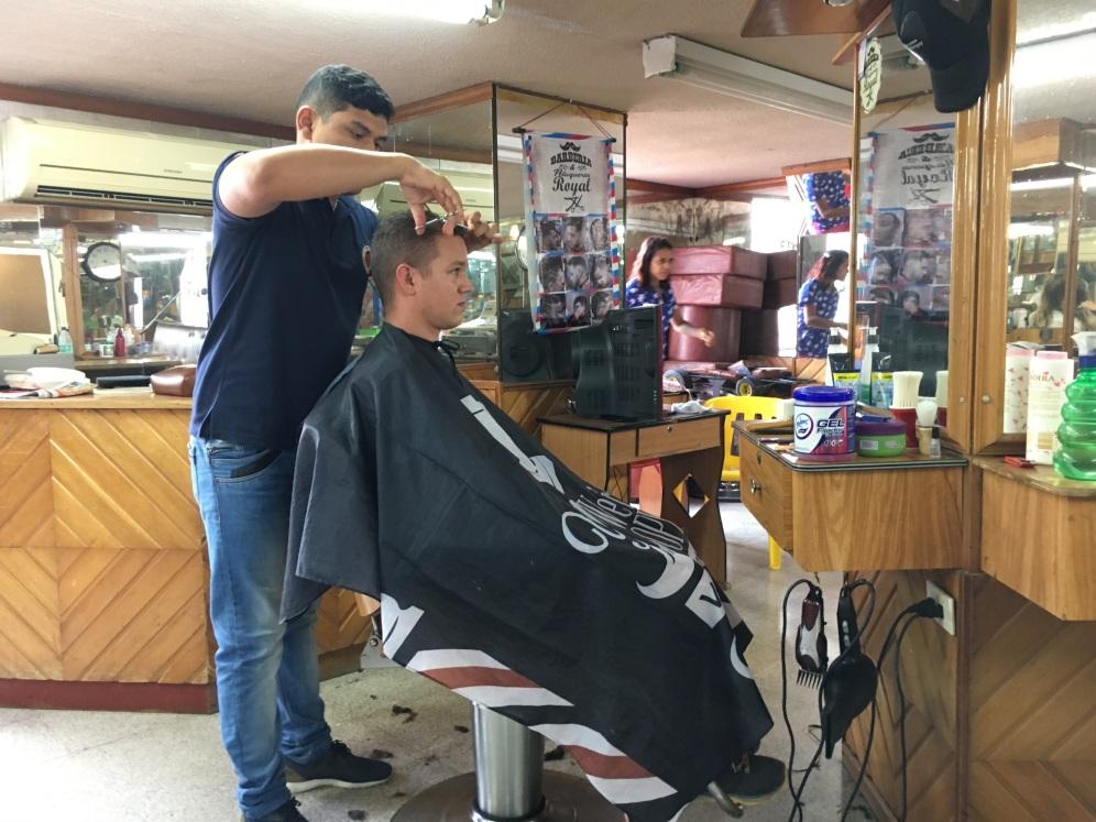 Bei Marcel wurde 3x länger geschnibbelt als bei mir - dafür gabs auch einen anständigen Haarschnitt