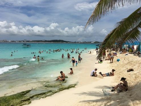 Johnny Cay: Wunderschön aber massenhaft Touristen