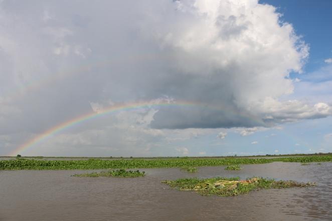Bootsausflug mit doppeltem Regenbogen