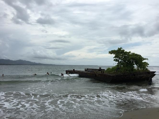 Playa Negra mit Mini-Wellen