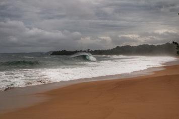 Playa Bluff mit Swell