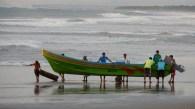 Fischer hats hier viele - und auf dem Meer haben sie immer Vortritt vor den Surfern